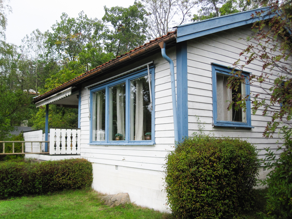 exterior view of the existing cabin