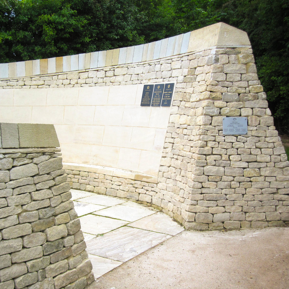 Weaving traditional walling and parametric design for a stone memorial