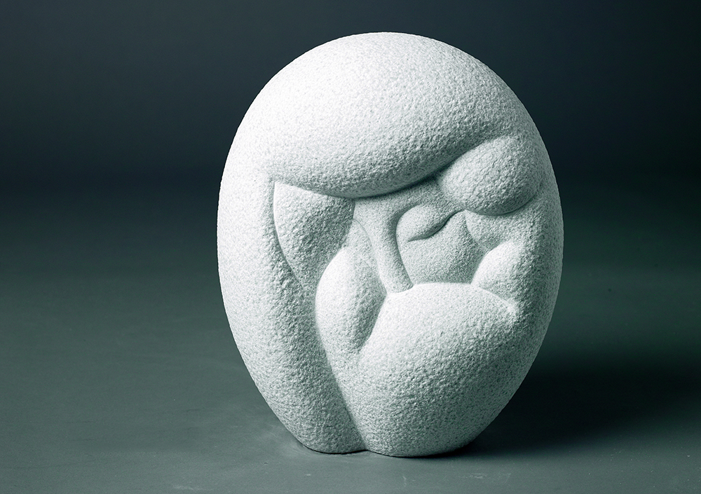 woman 6   37x29x18 (cm) marble (private Collection, South Korea) 2009