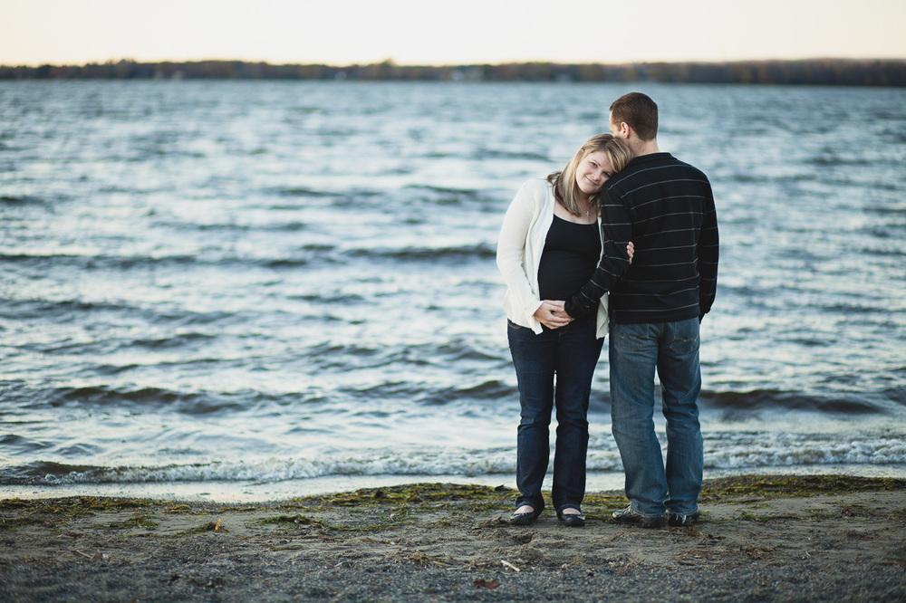 Jonathan-Kuhn-Photography-Daria-Maternity-Ottawa-Maternity-Britania-Beach-9745-19.jpg