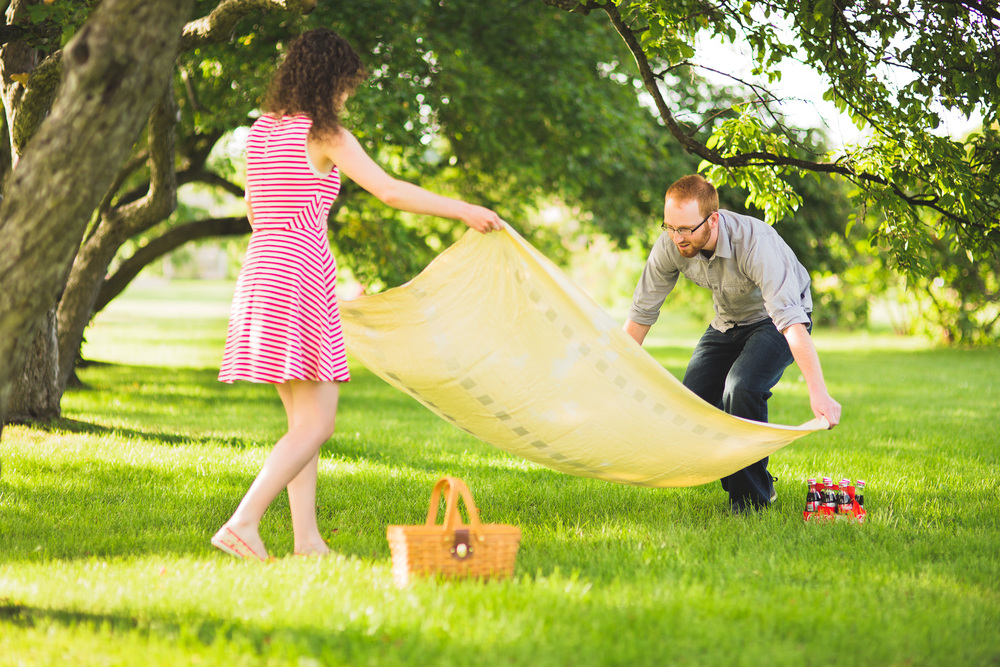 Picnic-Engagement-Session-Ottawa