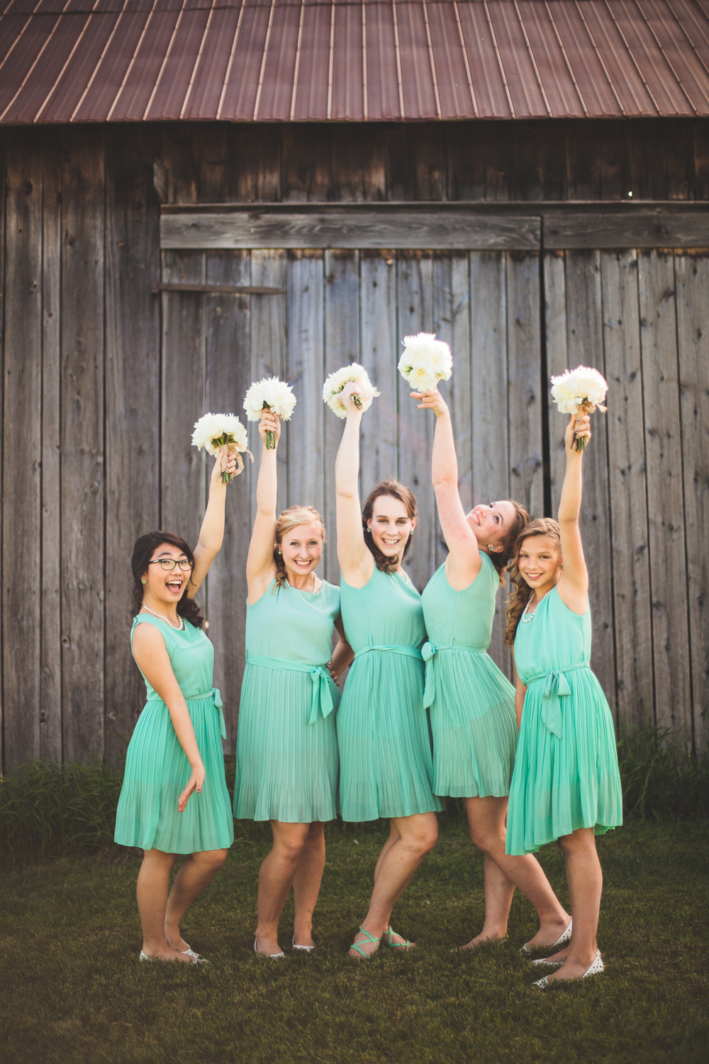 Bridesmaids-Mint-White-Bouquet