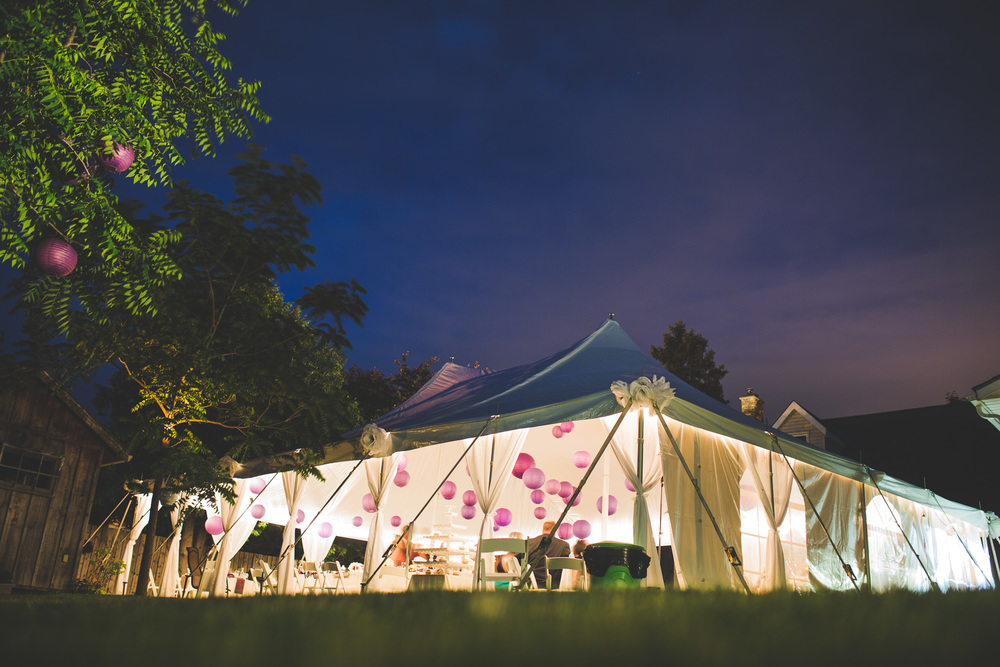 Backyard-Wedding-in-Tent