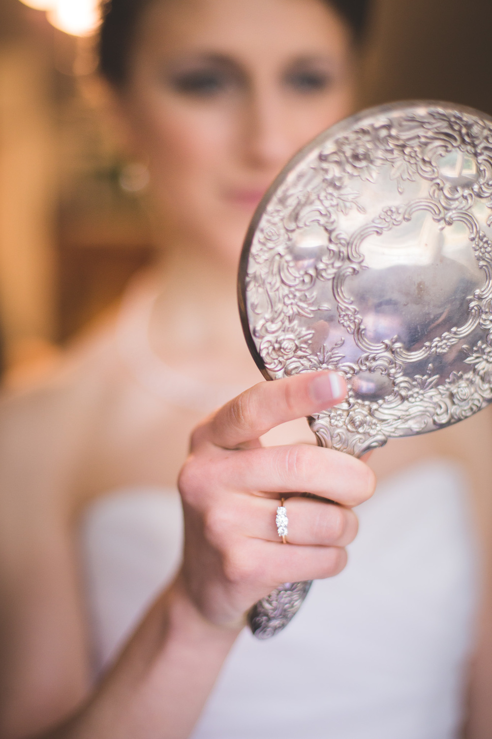 Bride-Looking-in-the-mirror