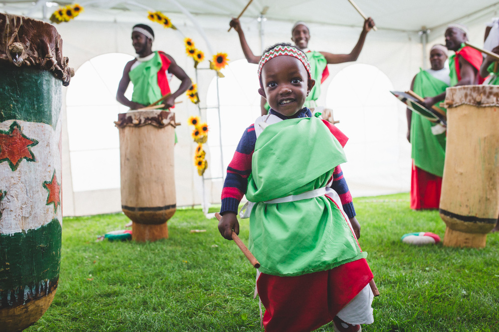 Burundy-Dancers-Wedding