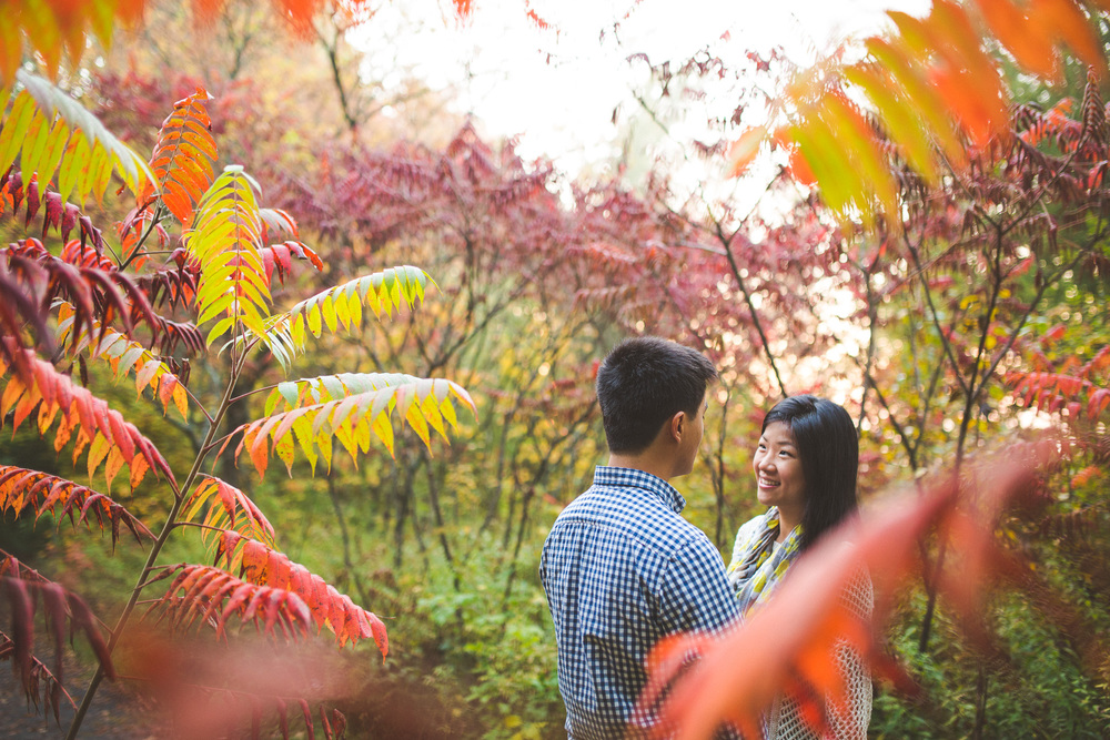 Colourful-couples-session-fall