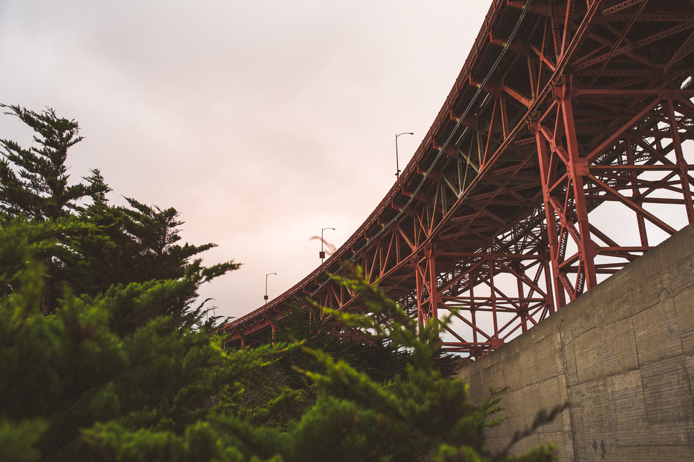 underneath-golden-gate-red-bridge