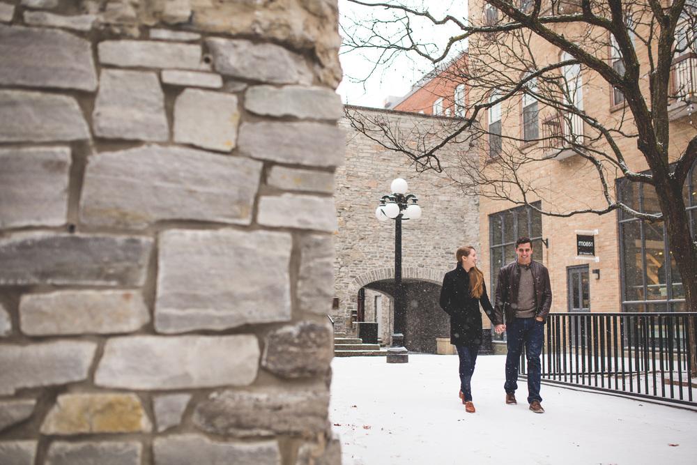 Couple-photos-in-downtown-ottawa