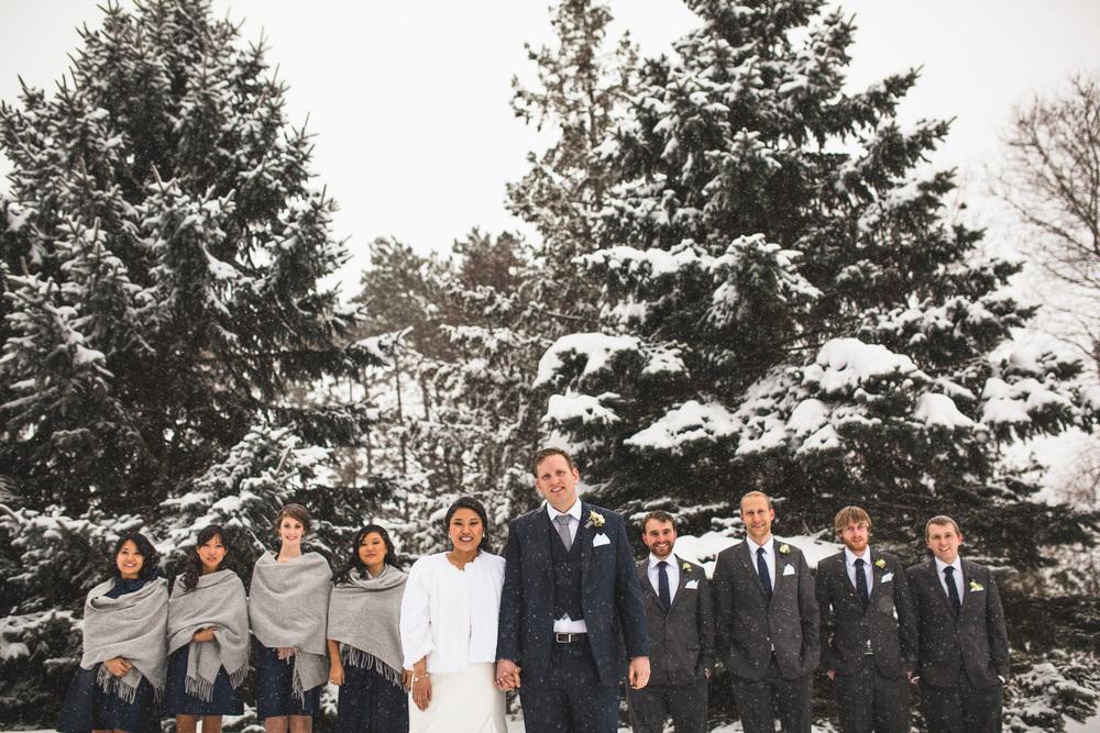 Winter-wedding-party-photos