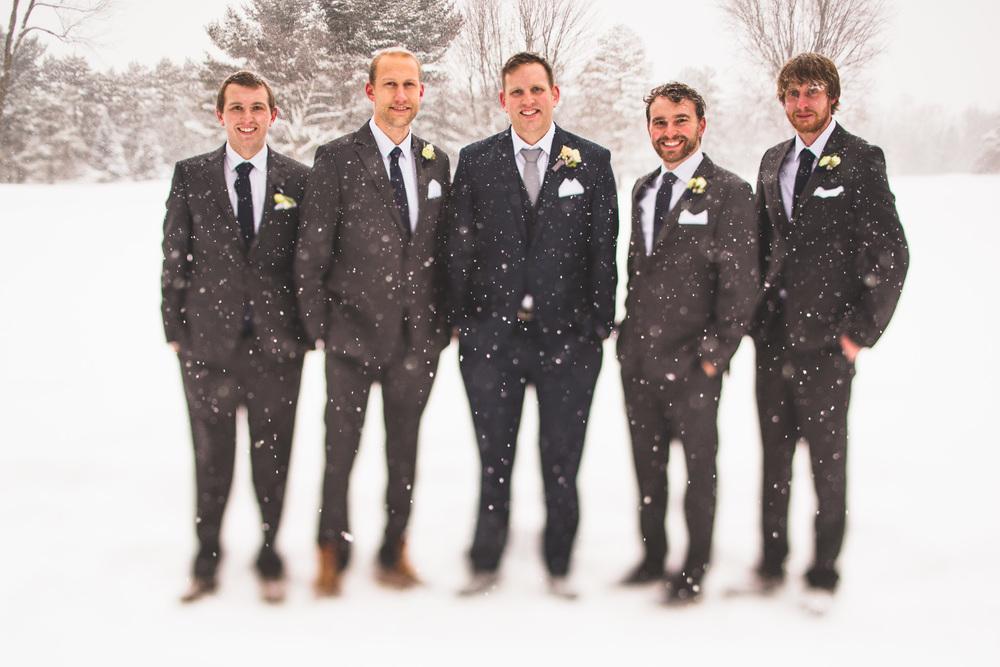 snow-falling-wedding