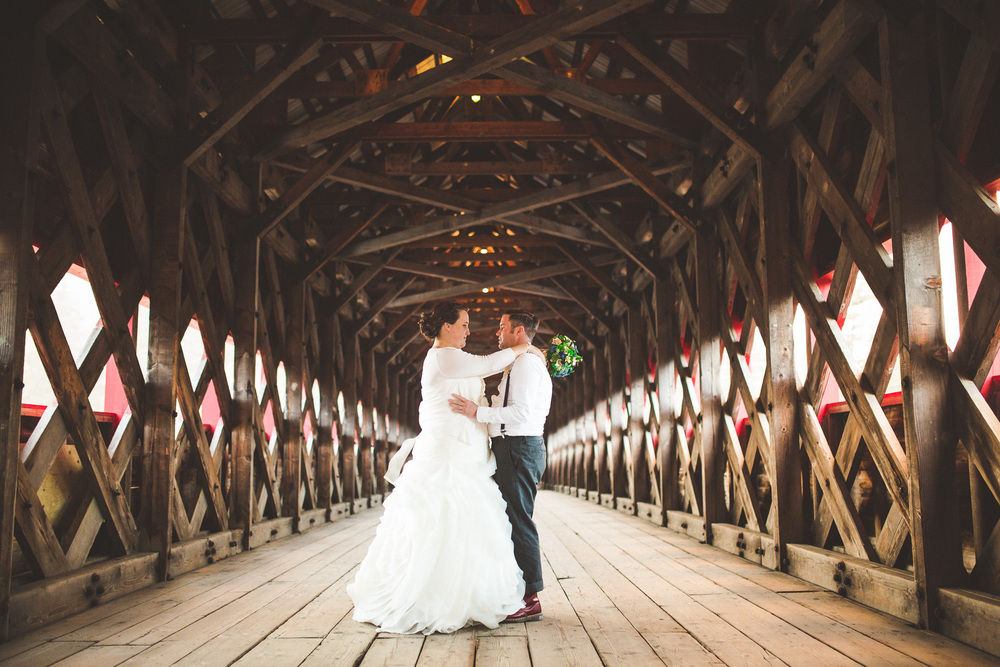 Wakefield-covered-bridge-wedding