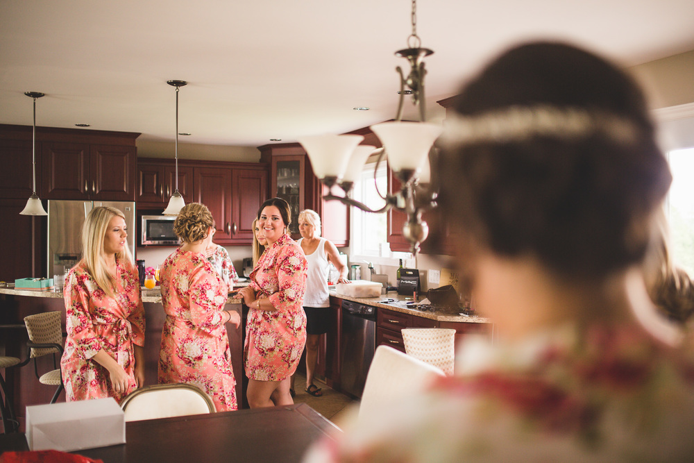 bridesmaids-matching-robes