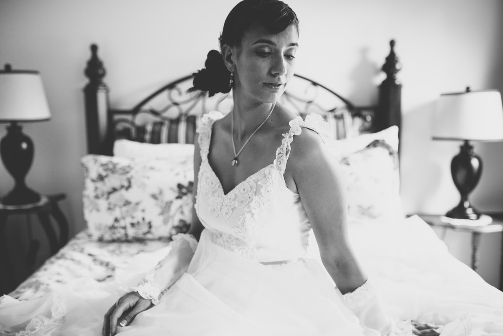 74-bridal_portrait-on-bed.jpg