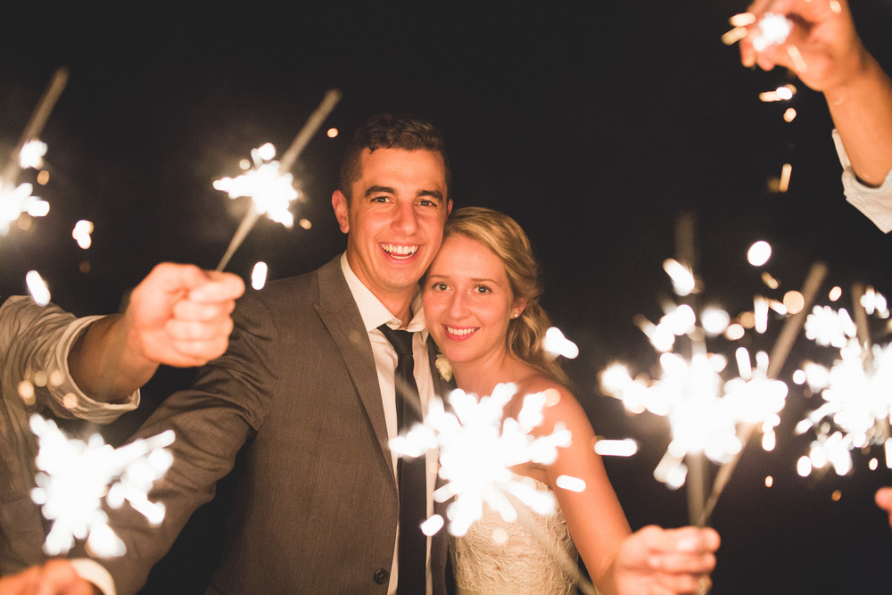 49-sparkler-lit-wedding-photo.jpg