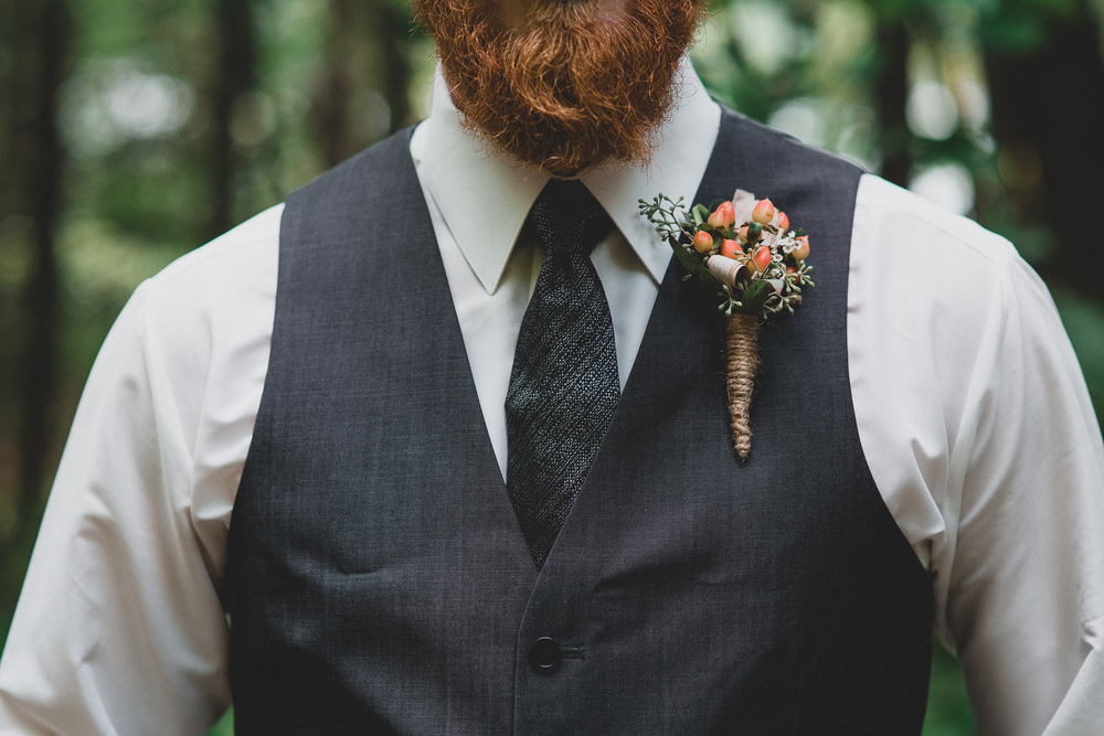 Hipster groom, best and boutonniere