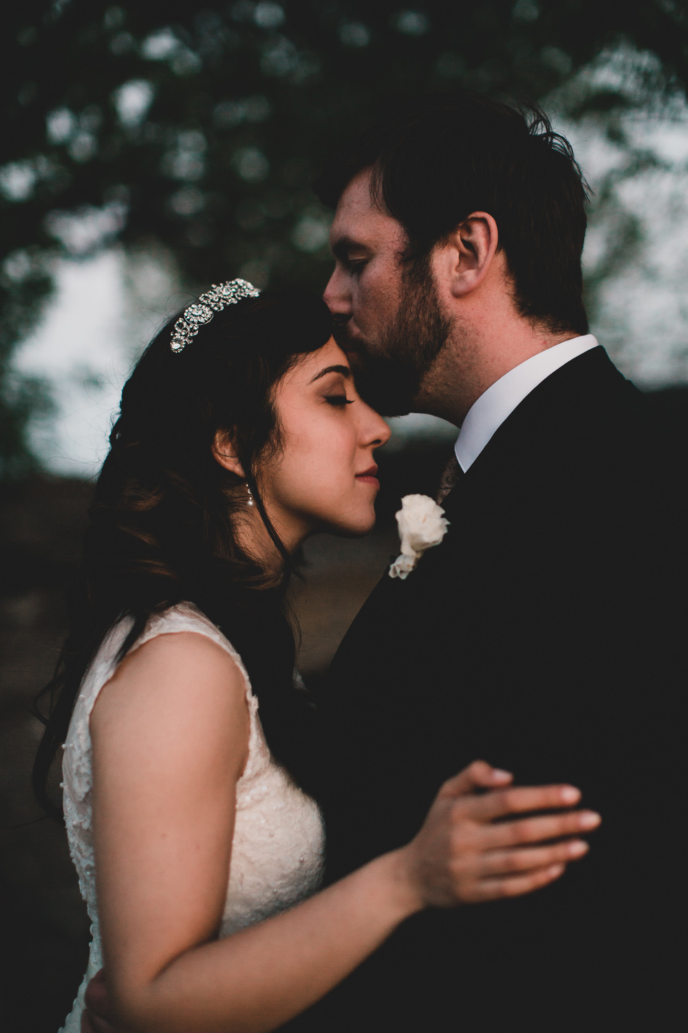 Romantic evening wedding portraits