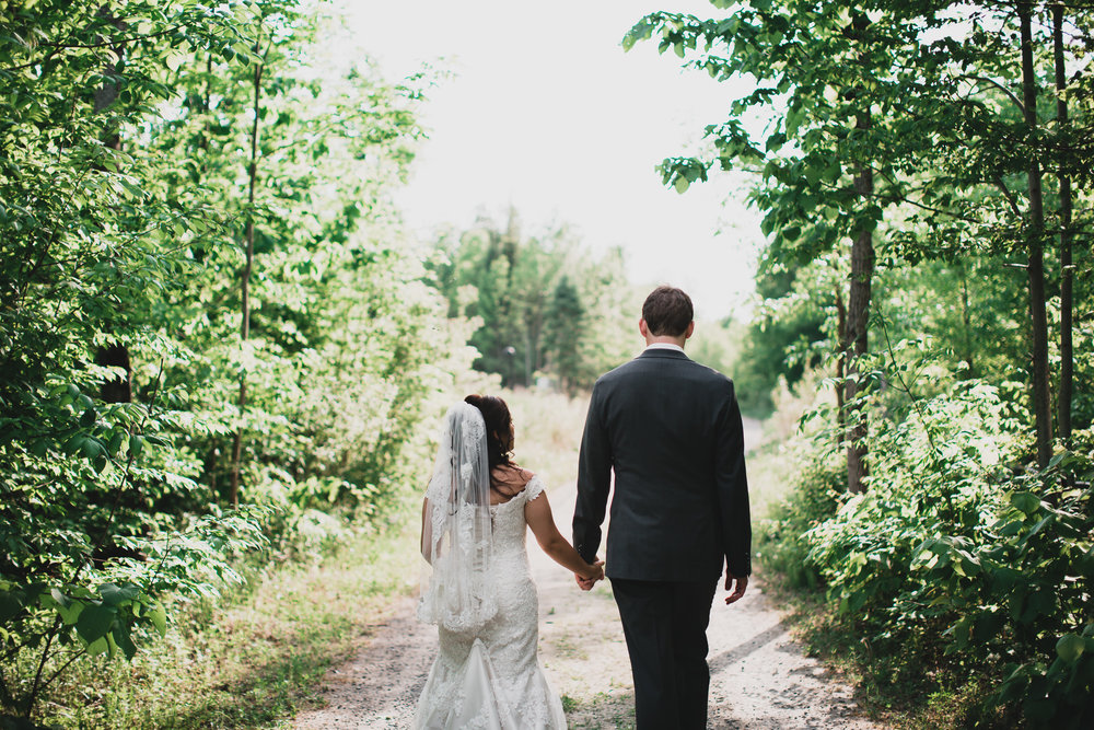 Outdoorsy weddings in Ottawa area