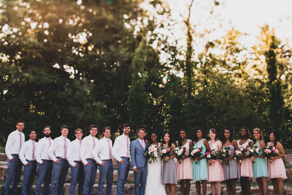 Large wedding party portraits