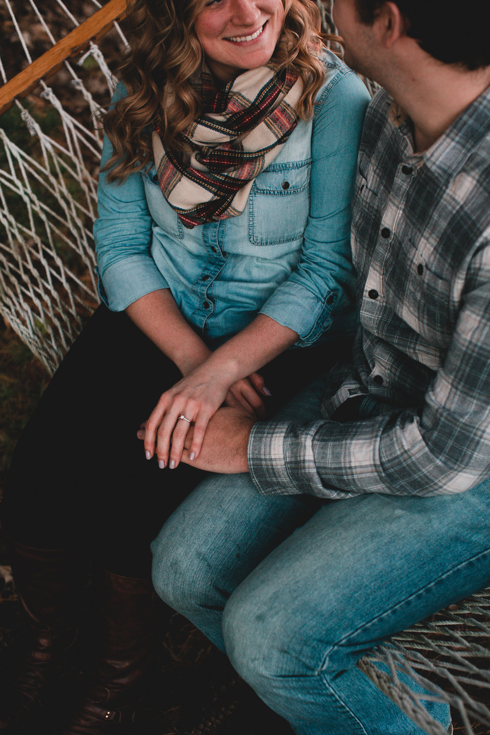 Fall engagement session, jeans & plaid