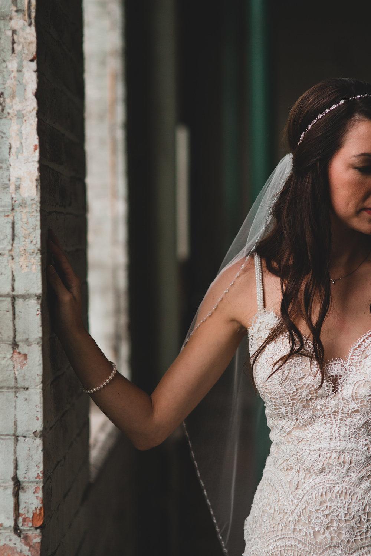 Pearl & Lace Bride Details