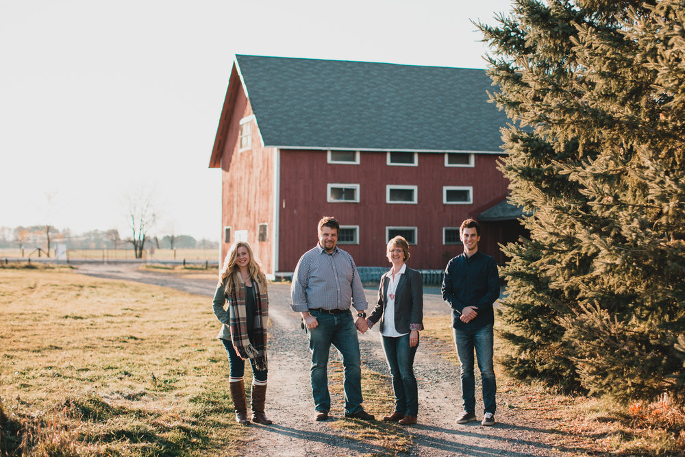 Family Photo Locations - Red Barn - Ottawa