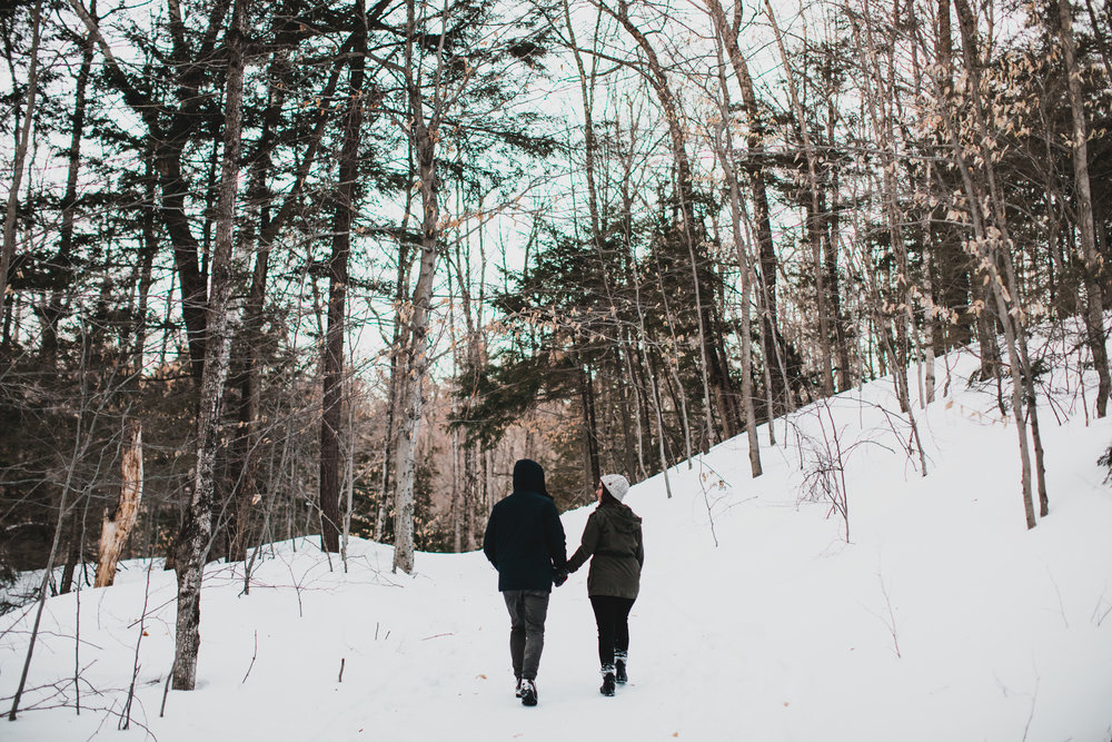 Outdoorsy Winter Engagement Session