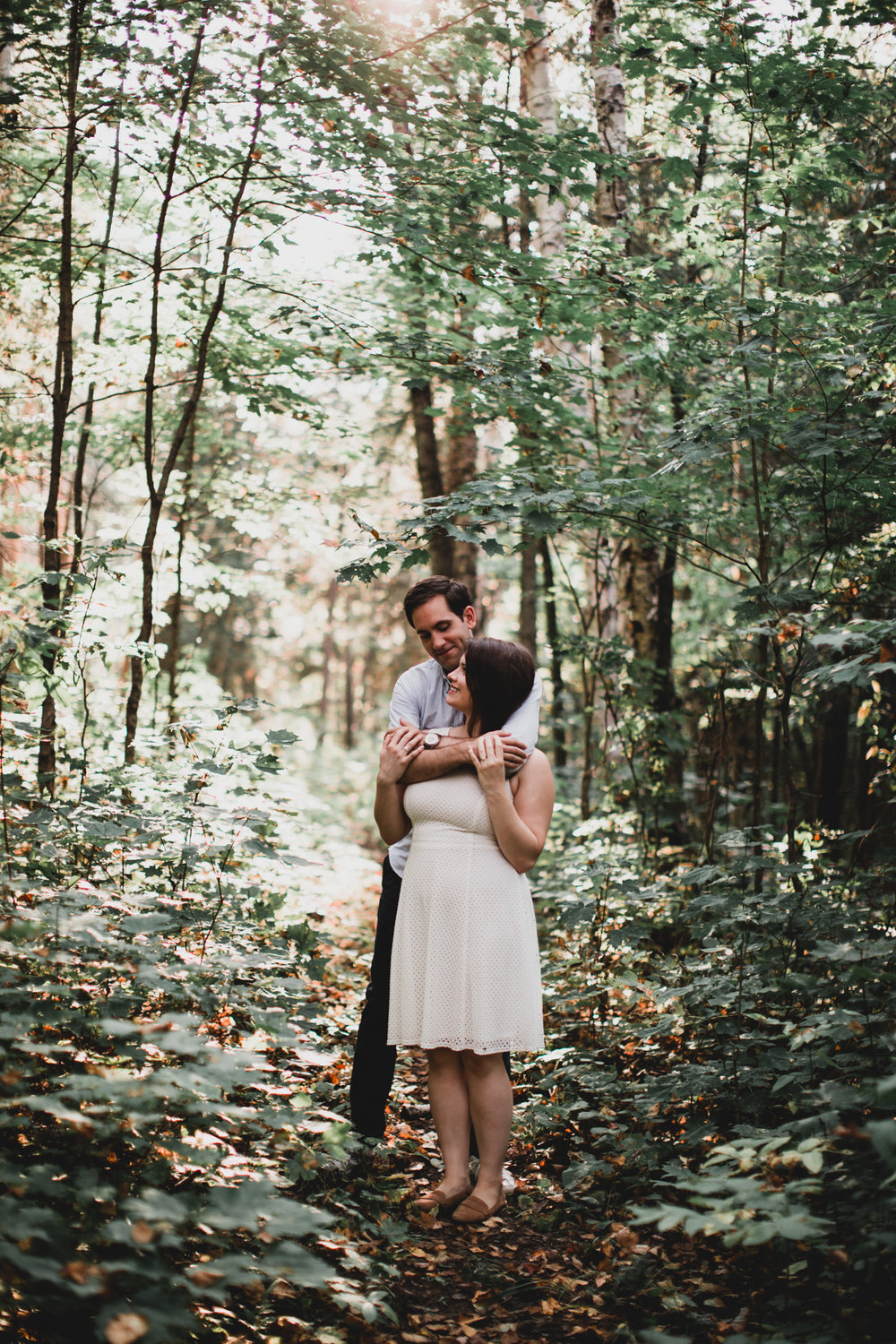 Summery Outdoor Engagement Session