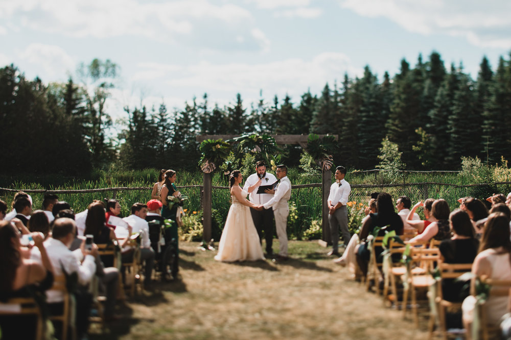 Country, outdoor weddings in Ottawa