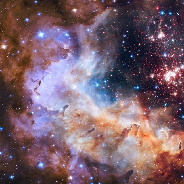 Hubble's 25th anniversary pic: Westerlund 2, a giant cluster of about 3,000 star located 20,000 light-years away from Earth in the constellation Carina (Pic: NASA)