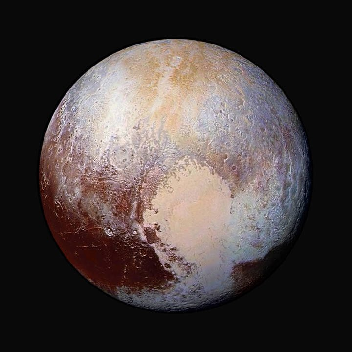 Goodness. Jaw-dropping new images from NASA #NewHorizons probe #space #astronomy #PlutoFlyby (pic via @NASA)