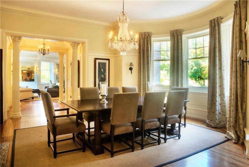 Luxe_and_Livable_Interior_Design_Blog_by_Maloney_Interiors_Newport_Rhode_Island_Sunnyside_Lila_Delman_Real_Estate_10.jpg