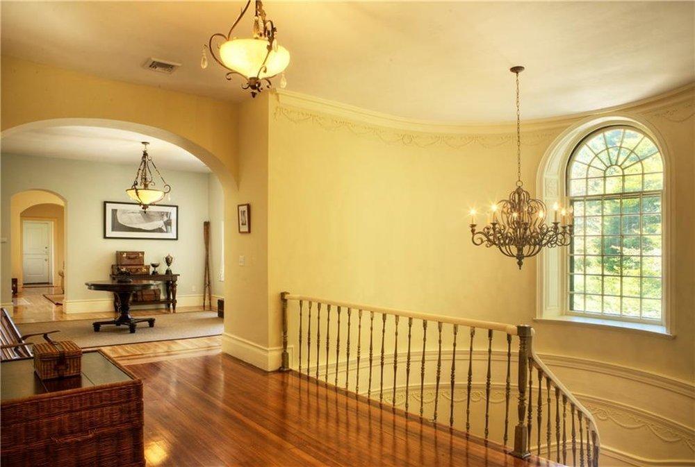 Luxe_and_Livable_Interior_Design_Blog_by_Maloney_Interiors_Newport_Rhode_Island_Sunnyside_Lila_Delman_Real_Estate_14.jpg