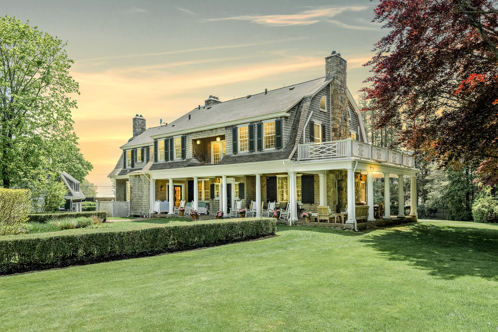 Luxe_and_Livable_Interior_Design_Blog_by_Maloney_Interiors_Newport_Rhode_Island_Mott_and_Chace_Real_Estate_03.jpg