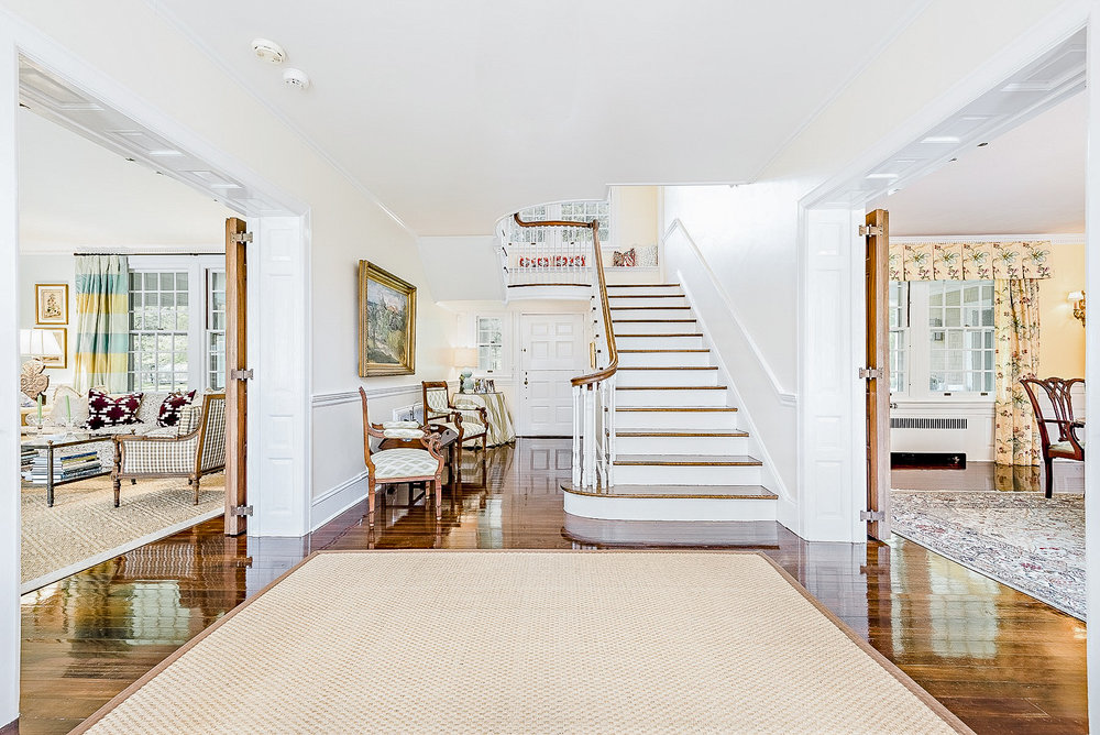 Luxe_and_Livable_Interior_Design_Blog_by_Maloney_Interiors_Newport_Rhode_Island_Mott_and_Chace_Real_Estate_06.jpg