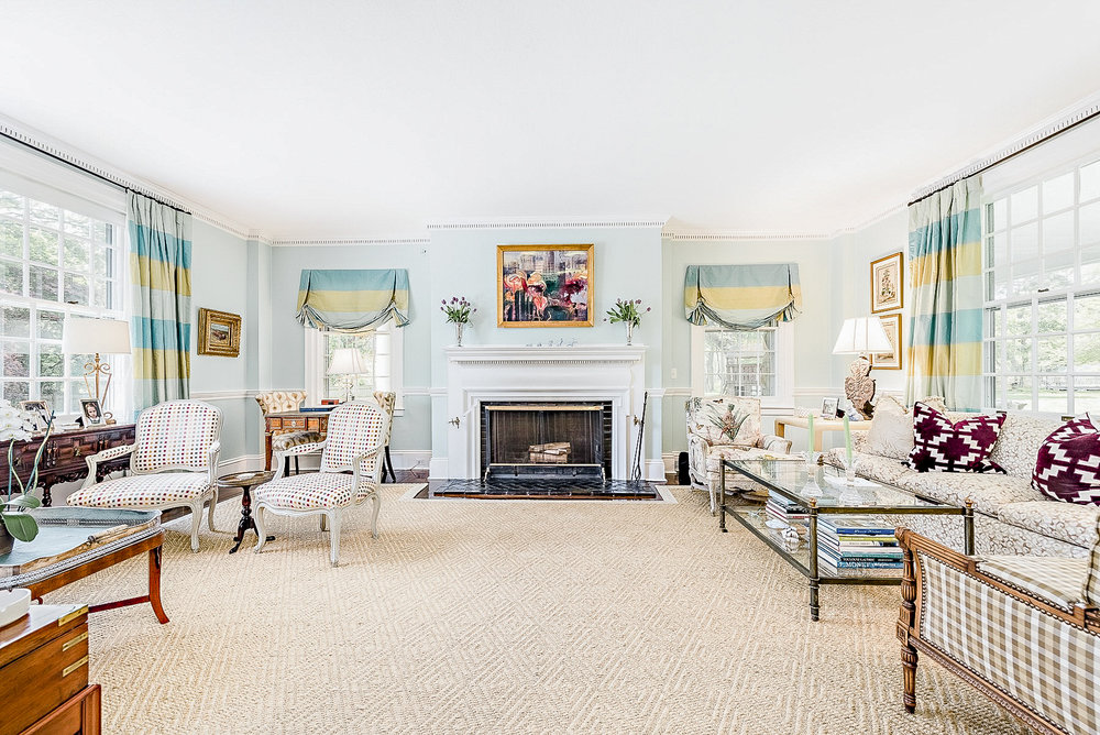Luxe_and_Livable_Interior_Design_Blog_by_Maloney_Interiors_Newport_Rhode_Island_Mott_and_Chace_Real_Estate_08.jpg