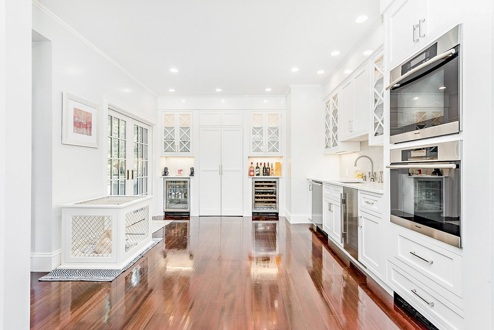Luxe_and_Livable_Interior_Design_Blog_by_Maloney_Interiors_Newport_Rhode_Island_Mott_and_Chace_Real_Estate_11.jpg