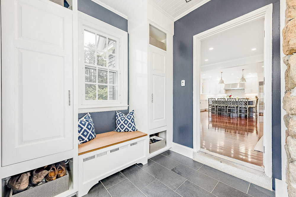 Luxe_and_Livable_Interior_Design_Blog_by_Maloney_Interiors_Newport_Rhode_Island_Mott_and_Chace_Real_Estate_14.jpg