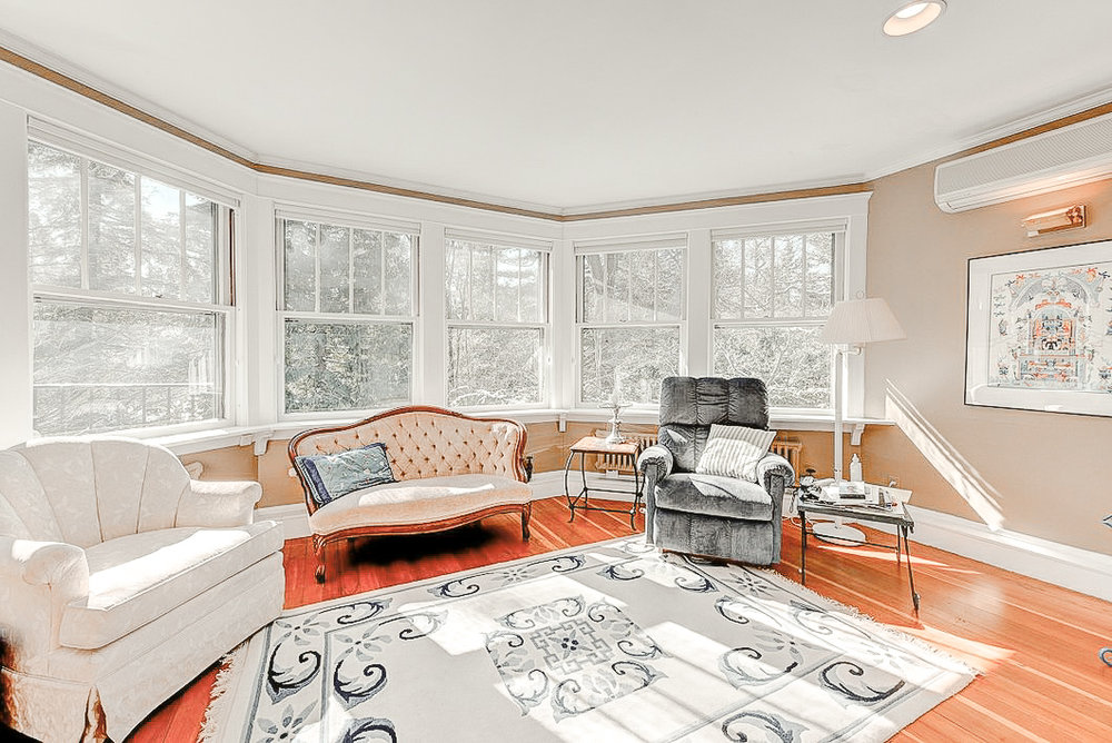 Luxe_and_Livable_Interior_Design_Blog_by_Maloney_Interiors_Newport_Rhode_Island_Residential_Properties_Real_Estate_17.jpg