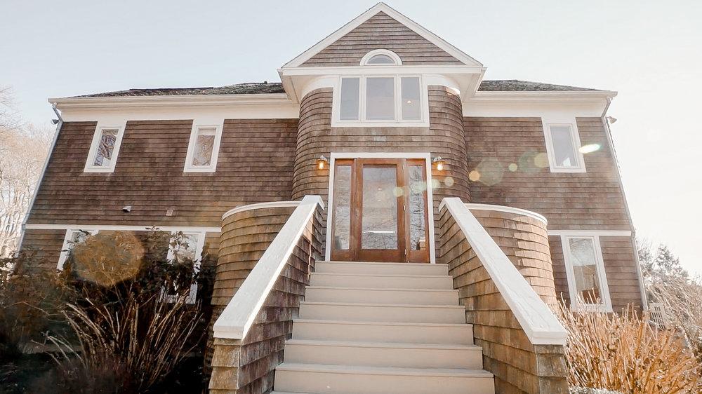 Luxe_and_Livable_Interior_Design_Blog_by_Maloney_Interiors_Newport_Rhode_Island_Lila_Delman_Real_Estate_06.jpg