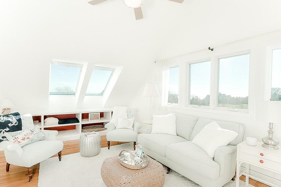 Luxe_and_Livable_Interior_Design_Blog_by_Maloney_Interiors_Newport_Rhode_Island_Lila_Delman_Real_Estate_16.jpg