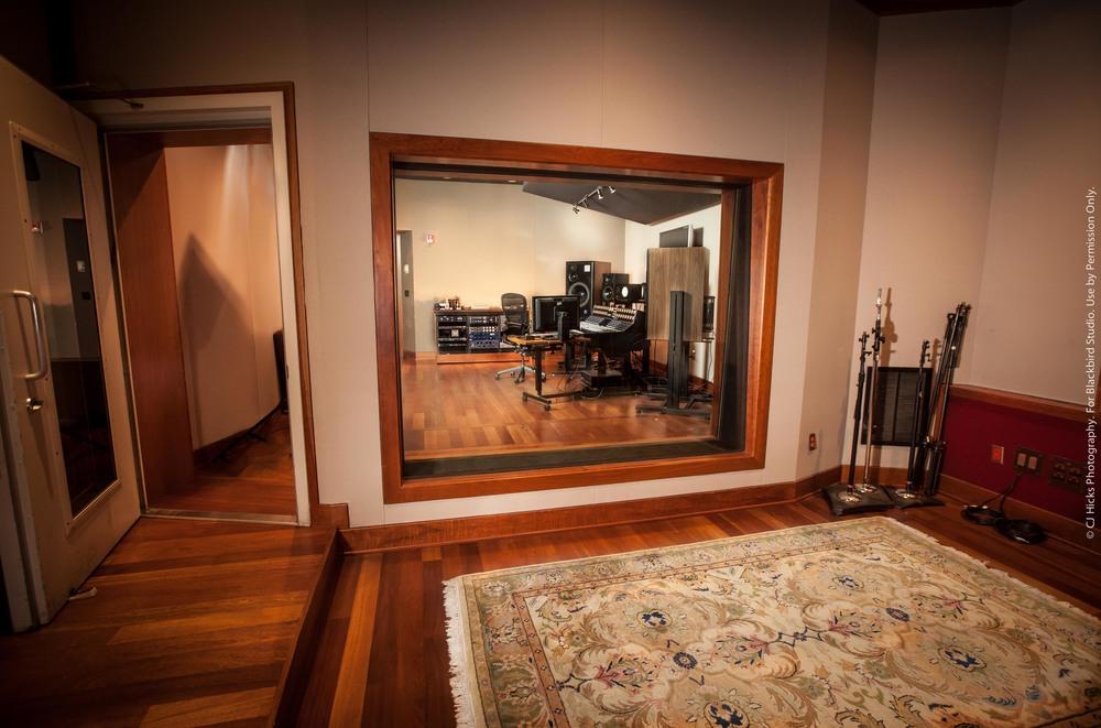 Studio E LoRes-5787.jpg