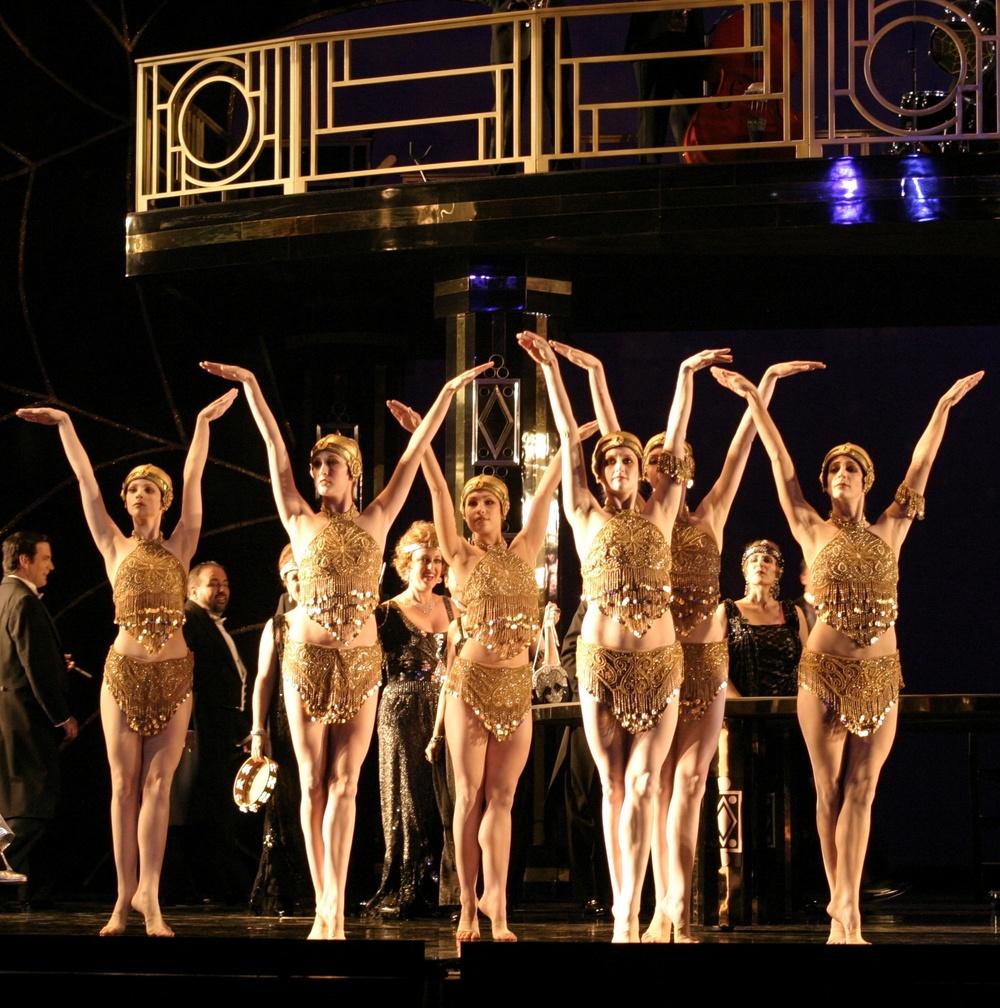 la traviata    la opera    photo: robert millard