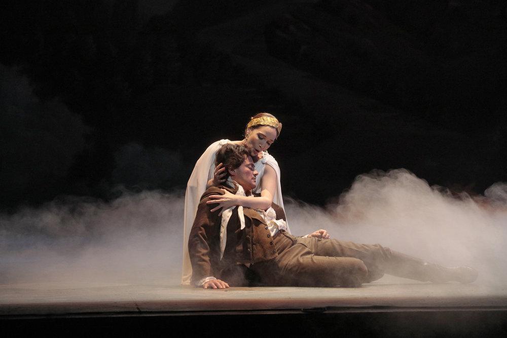 tales of hoffman   LA Opera    photo: ken howard