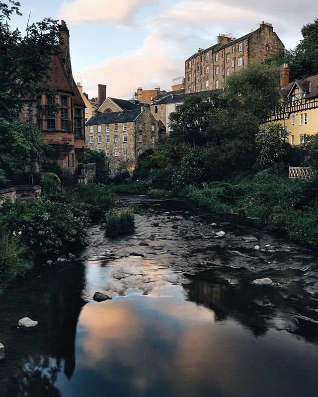 Sunset reflections at Dean Village. | #socality #vsco #deanvillage #edinburgh #munnliving