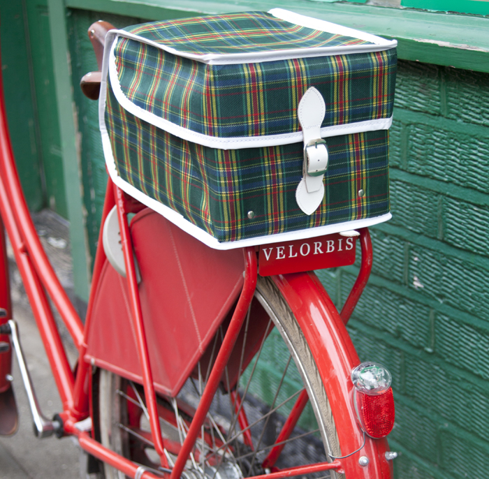 "The Vintage Box bag, by ""The Bicycle Muse"" comes in 3 colors and is available from the U.K. for £44.99."