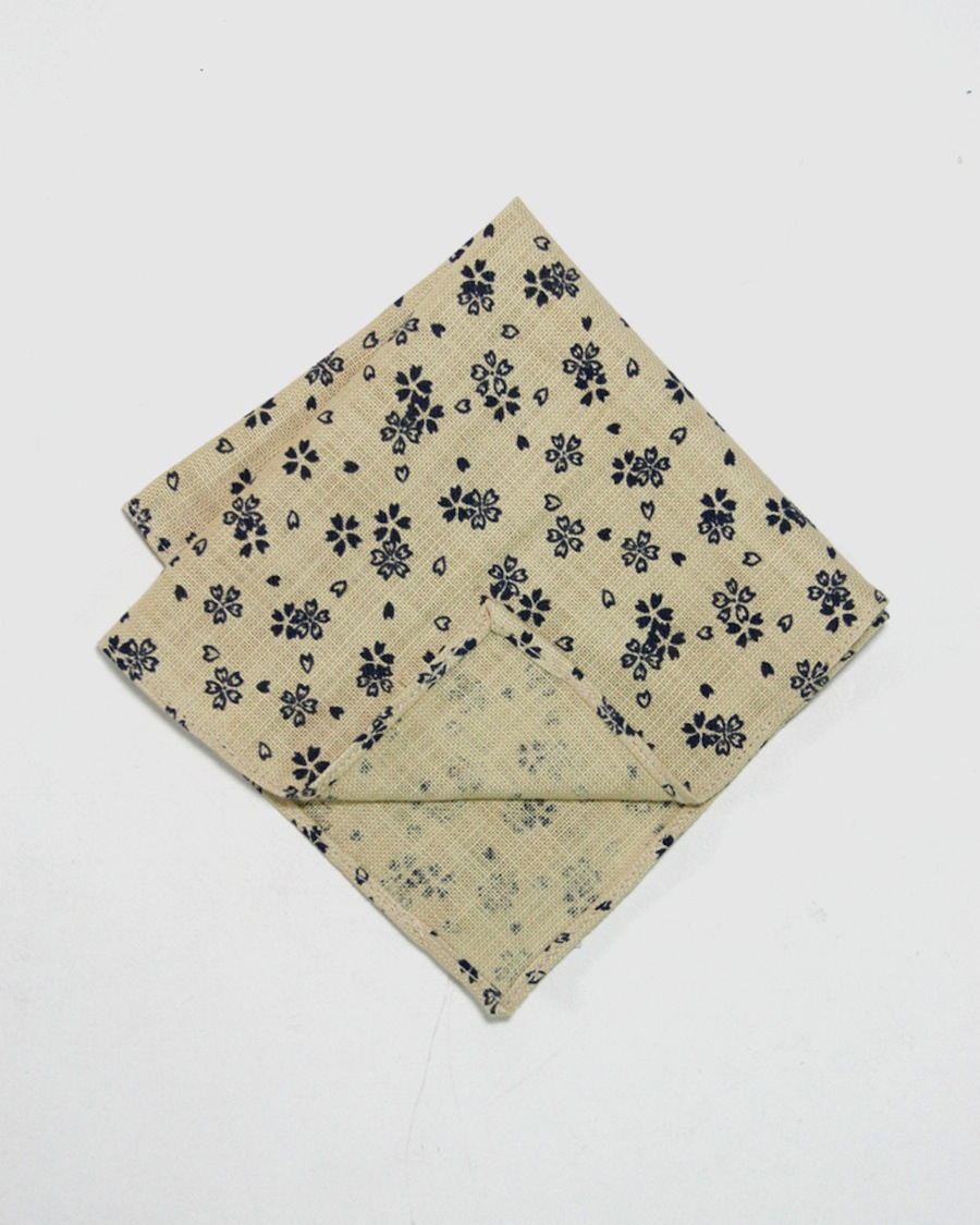 kiriko_japanese_fabric_pocket_square_natural_floral