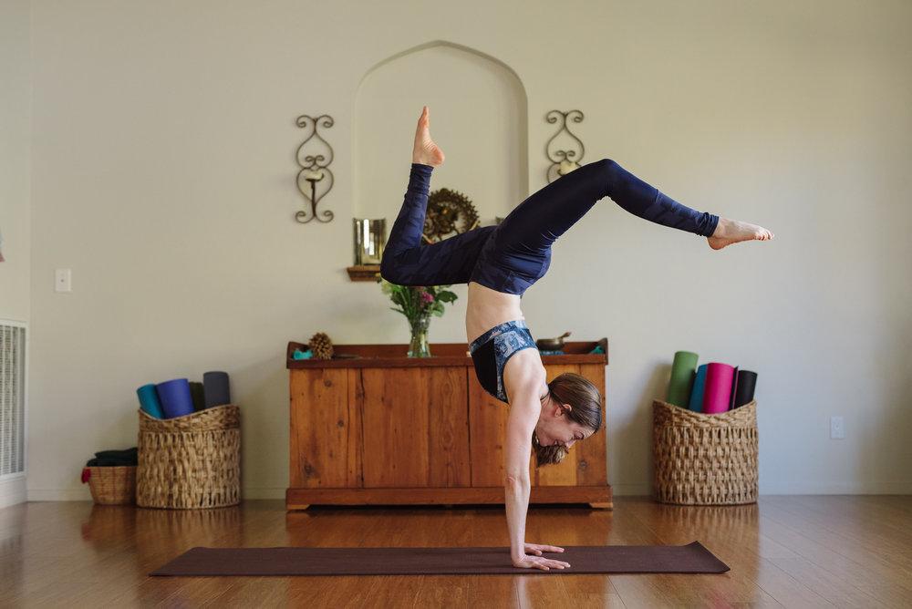 Nicole_Yoga (14 of 32).jpg