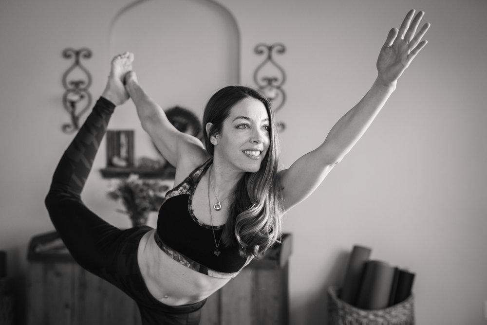 Nicole_Yoga (11 of 32).jpg