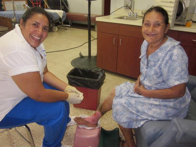 Nellie, a Honduran nurse working at the clinic, prepares a patient for topical hyberbaric oxygen therapy. We have seen incredible results using this treatment on severely ulcerated sores. Another patient had suffered for more than 20 years and had gone against doctors recommendations to amputate her leg. Bob and Mike saw her on their recent trip to the clinic. She was finishing her treatment, was pain free, and the sore healed.