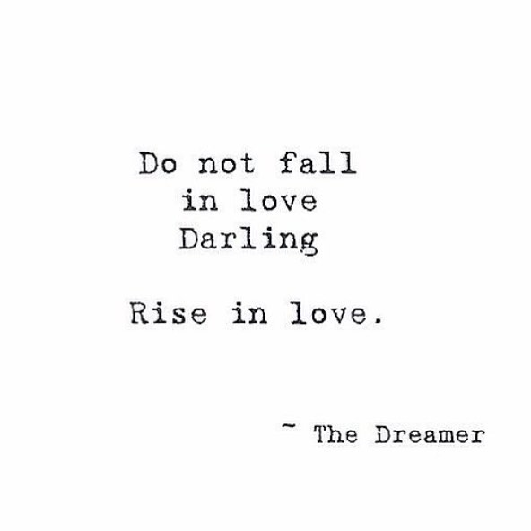 For the Lovers ( and the Dreamers) 💗❤️ Happy Friday! #heartshapehotel #flowercrowns #inspiration #friday #love #rise #darling